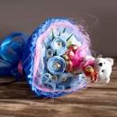 """Букет из конфет и влюбленного мишки """"Love is""""-2"""