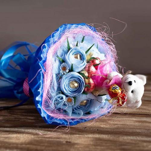 """Букет из конфет с мишкой """"Love is""""-2"""
