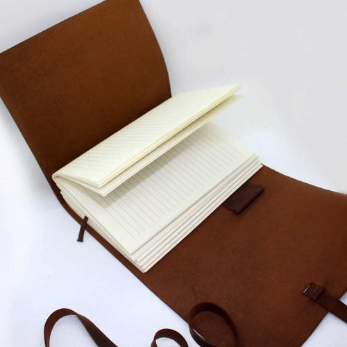 Кожаный блокнот-софтбук A5 Comfy Strap Brown с ручкой-5