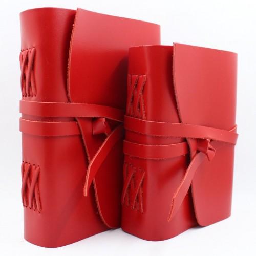 Кожаный блокнот формата A5 Comfy Strap Red в коробочке-2