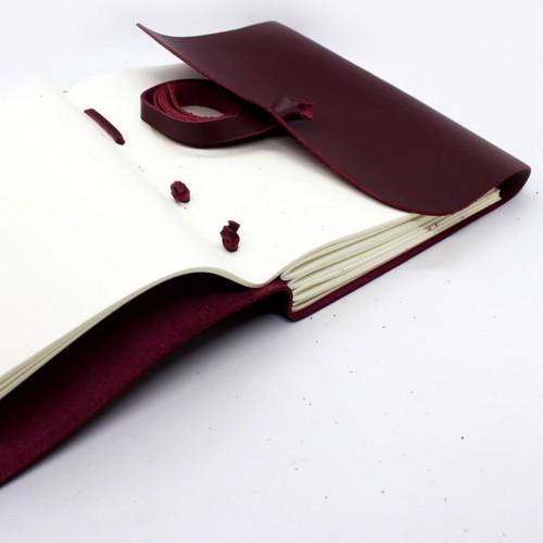 Кожаный блокнот формата B6 Comfy Strap Bordo-2