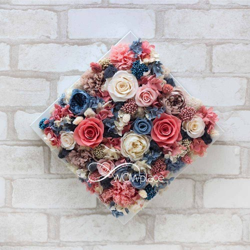 """Картина на стену из живых долгосвежих цветов """"Аромат нежности"""""""