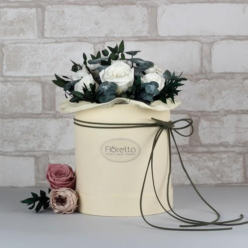 """Букет """"Магия нежности"""" - живые стабилизированные цветы в круглой коробке-1"""