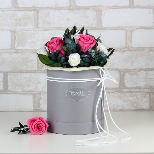 """Букет """"Особый случай"""" - живые стабилизированные цветы в круглой коробке-1"""