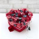 """Букет из живых стабилизированных цветов в коробке-сердце """"На вершине чувств""""-2"""