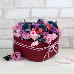 """Букет """"Вместо тысячи слов"""" - живые стабилизированные цветы в коробке-сердце-1"""