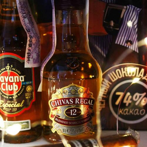 Набір подарунковий алкогольний з мініпляшечками, сигарою і шоколадом для чоловіків MegaBar ►Franklin-3