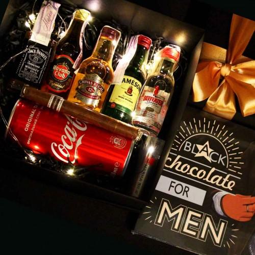 Набір подарунковий алкогольний з мініпляшечками, сигарою і шоколадом для чоловіків MegaBar ►Franklin-5
