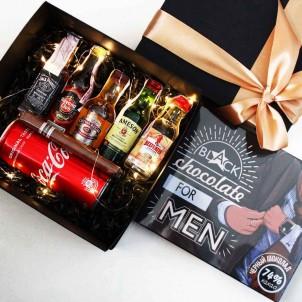 Набір подарунковий алкогольний з мініпляшечками, сигарою і шоколадом для чоловіків MegaBar ►Franklin-1