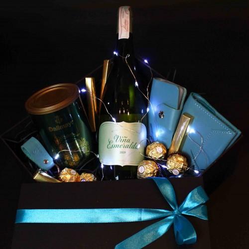 Жіночий подарунковий бокс з вином та шкіряними аксесуарами ►Esmeralda від Franklin-1