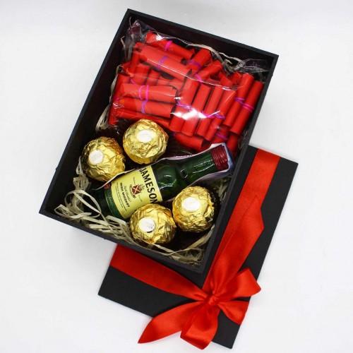 Подарочный набор для парня с минибутылочкой виски и записками о любви My Love