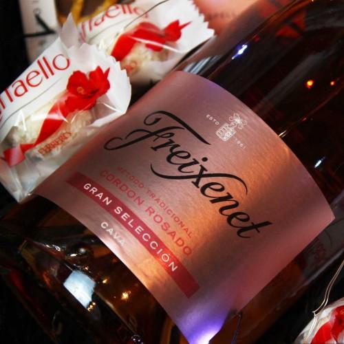 Жіночий подарунковий бокс з ігристим вином та солодощами ►Rosita від Franklin-2