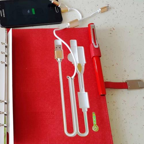 Ежедневник со встроенным PowerBank и системой беспроводной зарядки Red-10